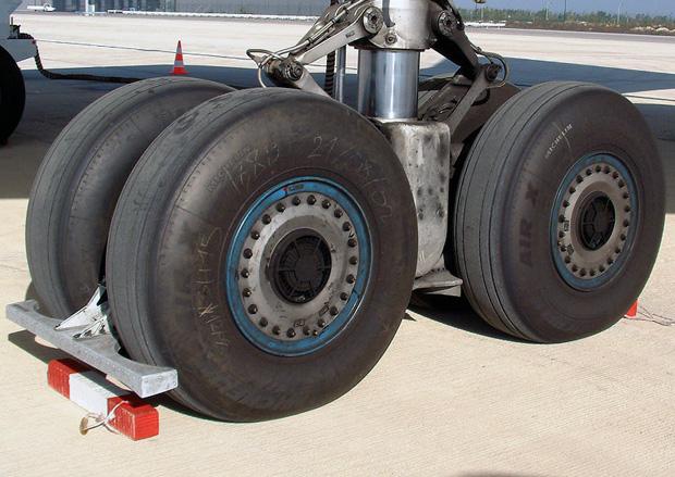 タイヤの縦溝