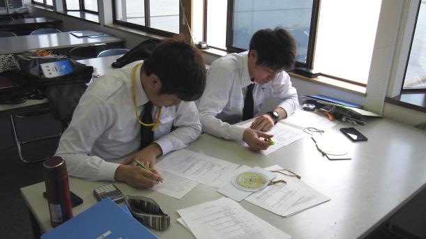学科試験に向けて勉強中