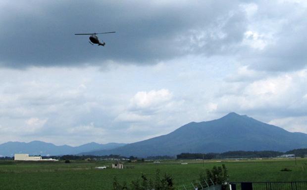自衛隊のUH-1が当校下妻運航所に飛来しました ★動画アップ★ ...