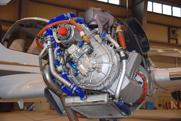 ドイツのティーラート社製のディーゼルエンジン
